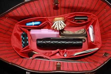 ช่องจัดระเบียบกระเป๋า Lv/neverfull mm (สีแดง) (ราคานี้ยังไม่รวมค่าส่งค่ะ)