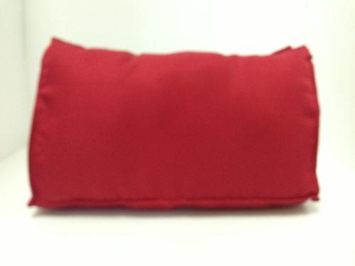 หมอนจัดทรงกระเป๋าchanel classic10นี้ว สีแดง (ราคานี้ยังไม่รวมค่าส่งค่ะ)