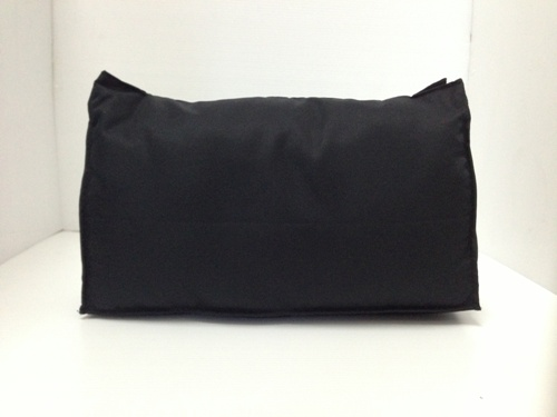 หมอนจัดทรงกระเป๋าchanel maxi 13.5นี้ว สีดำ (ราคานี้ยังไม่รวมค่าส่งค่ะ)