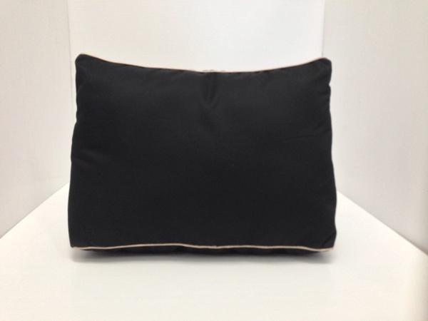หมอนจัดทรงกระเป๋าHermes Kelly 32 สีดำ (ราคานี้ยังไม่รวมค่าจัดส่ง)