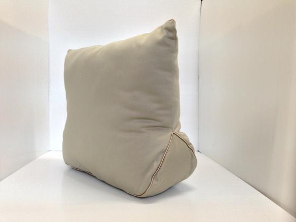 หมอนดันทรงกระเป๋า Lv/Delightfull mm (สีเบจ) (ราคานี้ยังไม่รวมค่าส่งค่ะ)