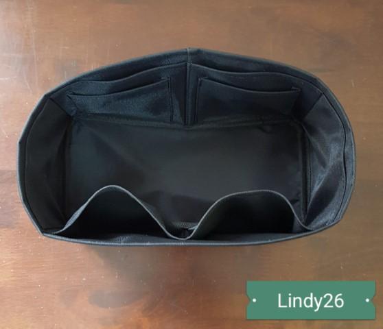 ที่จัดระเบียบ Hermes Lindy26 สีดำ
