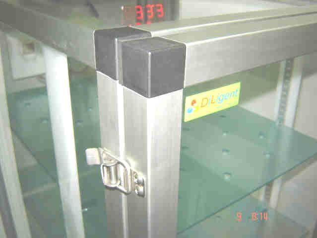 ตู้ลดความชื้น , Desiccator Cabinet แบบใช้ชุดควบคุม รุ่น DE-325LD 1