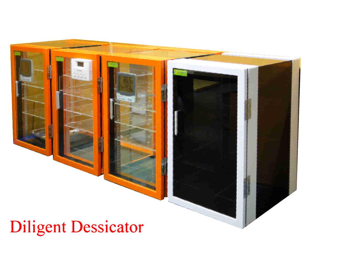 ตู้ดูดความชื้น Desiccator Cabinet แบบใช้ Silica gel Model DE-57 ทำจากพลาสติก 3