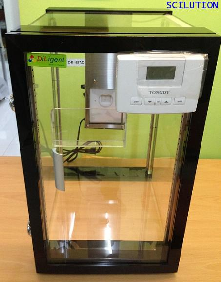 ตู้ควบคุมความชื้น  Desiccator cabinet รุ่น DE-57 AD ทำจากพลาสติก ขนาด57ลิตร ลดความชื้นได้ 40 RH