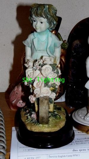 ตุ๊กตาเด็ก ขายดอกไม้   อิตาลี