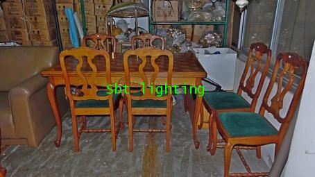 โต๊ะอาหารพร้อมเก้าอี้หนังแท้ ไม้โอ็คแกะสลักงานเยอรมัน