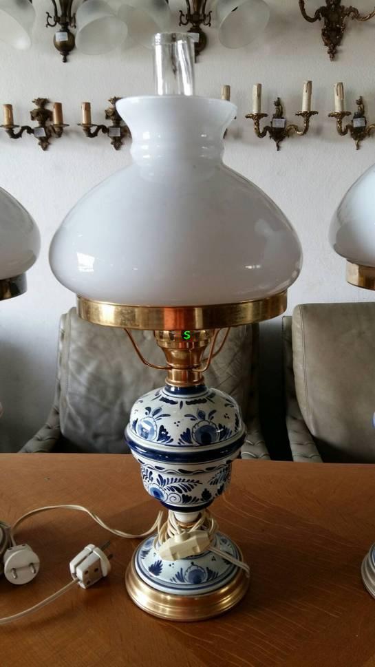 โคมไฟตั้งโต๊ะ ทองเหลืองPorcelain  อิตาลี