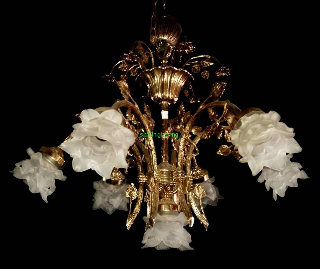 โคมไฟทองเหลืองทองสำริด  งานอิตาลีโป๊ะแก้ว ดอกไม้ ขายแล้ว