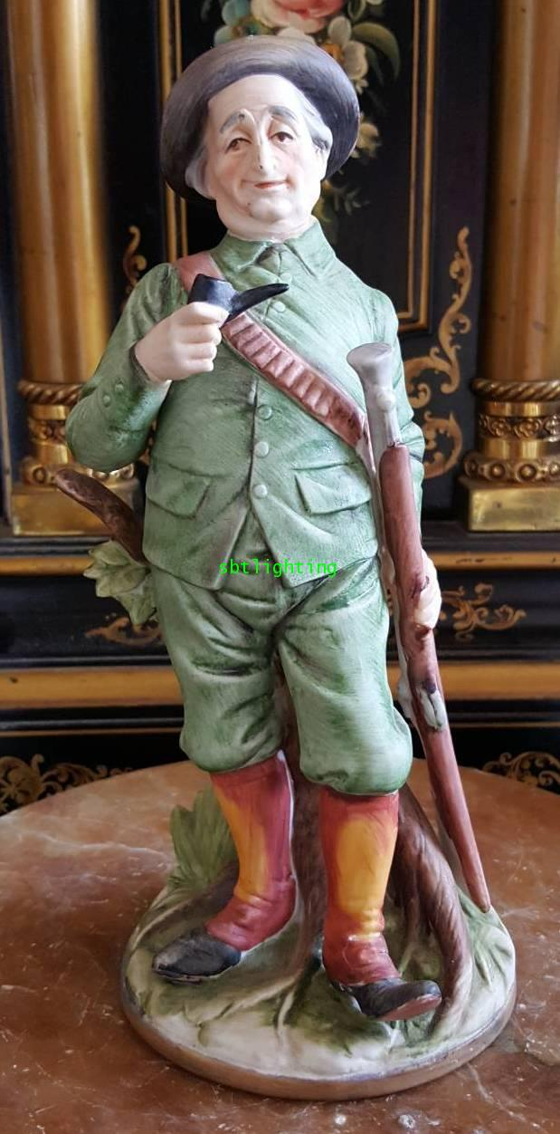 ตุ๊กตานายพราน กระเบื้องงานยุโรป เบลเยี่ยม