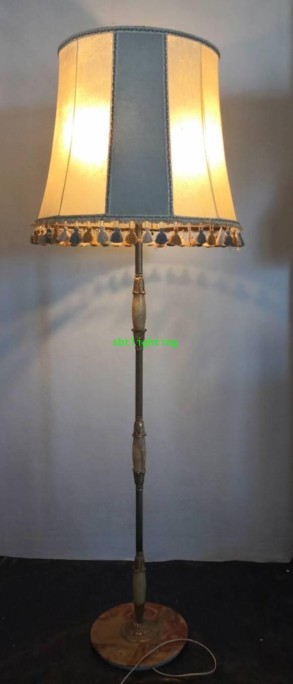 โคมไฟตั้งพื้น ขาทองเหลืองทองสำริด ขาฐานหินอ่อน โบราณ