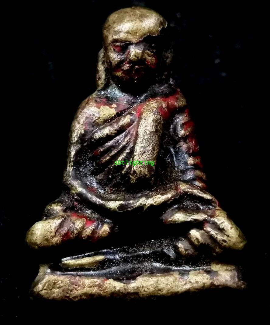 รูปหล่อโบราณ หลวงพ่อเงิน  วัดท่ามะไฟ  (โชว์พระ)องค์ที่ 4