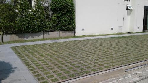 บล็อกปลูกหญ้ารุ่นโมเดิร์นสี่เหลี่ยมจัตุรัส 8