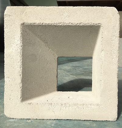บล็อกช่องลมสี่เหลี่ยมด้านไม่เท่า v1 19 x 19 x 9 cm