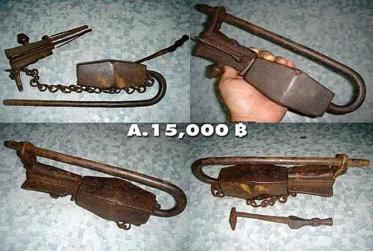 จุญแจโบราณจากประเทศเนปาล อายุ 1000 s. กว่าปี Old Key 1