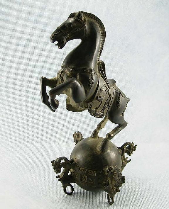 ศิลปะม้าสัมฤทธิ์จากประเทศจีน อายุราว 50 ปี ขึ้น (Vintage Chinese Bronze Horse Statue) 1