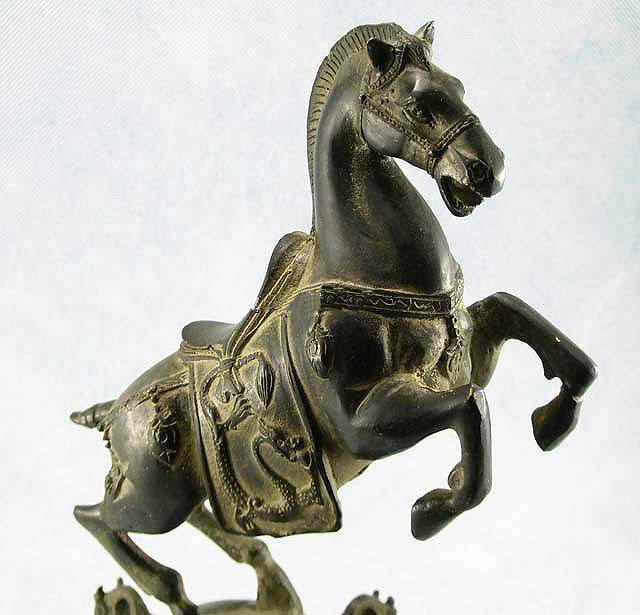 ศิลปะม้าสัมฤทธิ์จากประเทศจีน อายุราว 50 ปี ขึ้น (Vintage Chinese Bronze Horse Statue) 2