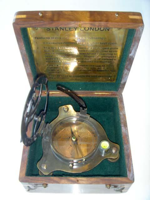 นาฬิกาแดดและเข็มทิศ SUNDIAL COMPASS (WOODEN BOX)