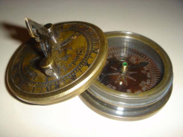 นาฬิกาแดดและเข็มทิศ SUNDIAL COMPASS (ขนาดพกพา) จำหน่ายแล้ว !