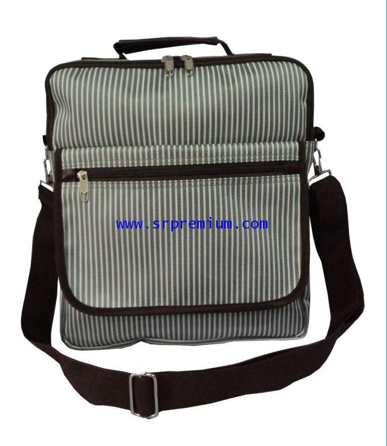 กระเป๋าเอกสารสะพาย ทรงตั้ง รุ่น 07-0073 (124M6)