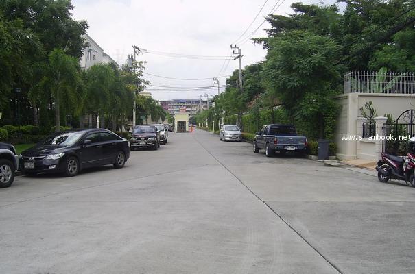 ขาย - เช่า บ้าน ย่านบางบอน ทาวน์โฮม หมู่บ้านปริญลักษณ์ เอกชัย-บางบอน 3 ใกล้ตลาด ใกล้ห้าง ติดถนนใหญ่ 5