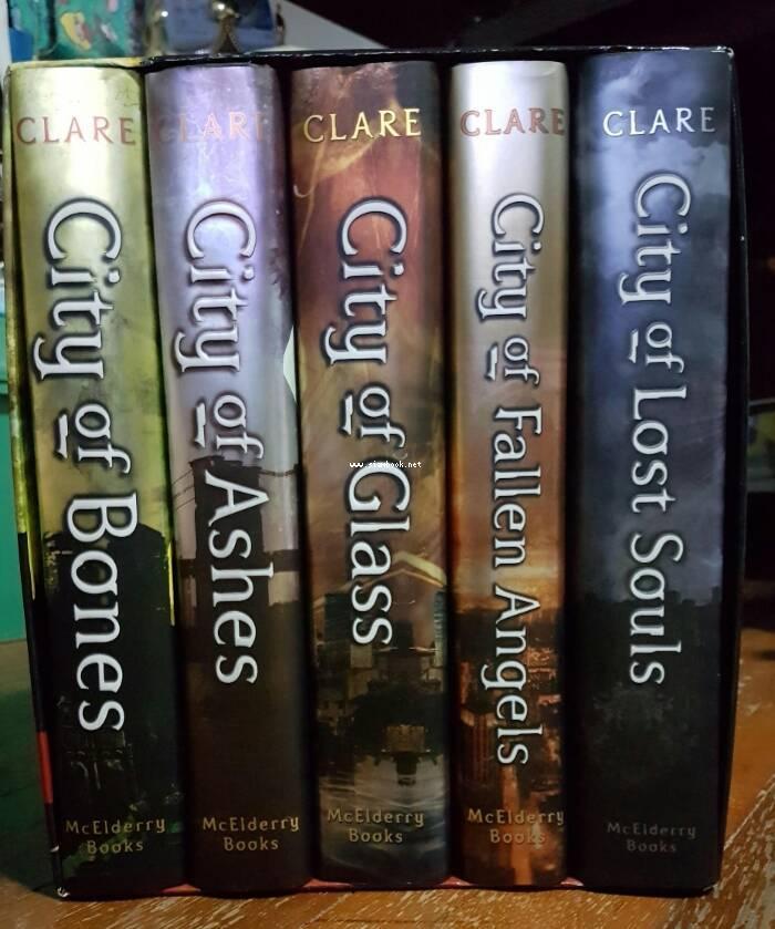 The Mortal Instruments (5เล่ม บรรจุกล่อง Boxset) *หนังสือฝากขาย*