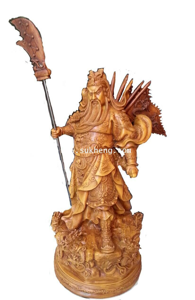 เทพเจ้ากวนอูเรซิ่นลายไม้ ปางบู๊ปักห้าธงออกศึก ท่ายืนจับดาบถือง้าว ขนาด 18 นิ้ว