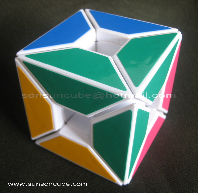 Edge only Hollow cube ( 4 colors )