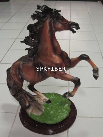 ม้าเรซิ่น
