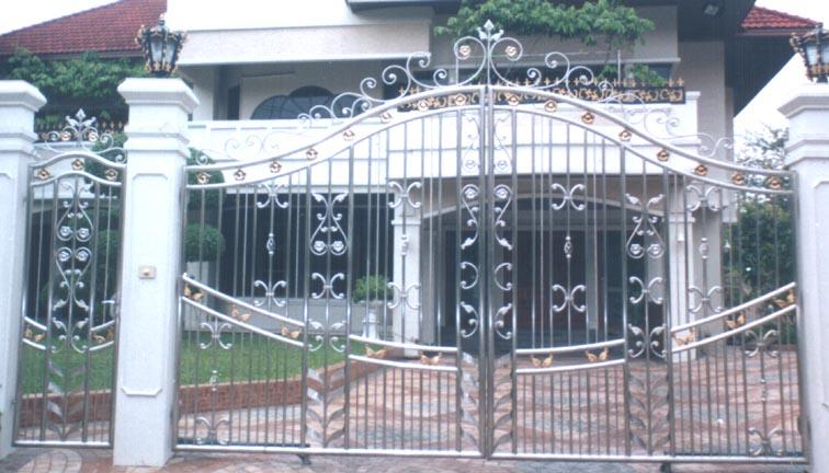 ประตูสเตนเลส บานเปิด No.8