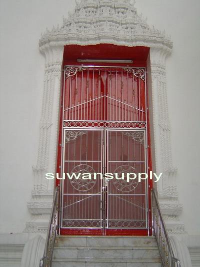 ประตูแบบที่ 1  โบสถ์วัดมหาธาตุฯ