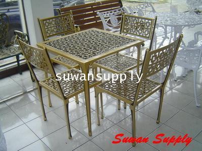 ชุดเก้าอี้อัลลอย ลายน้ำชา 4 ที่ (สีทองลงดำ)