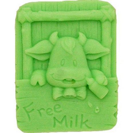 แม่พิมพ์สบู่ซิลิโคน รูปวัว free milk ขนาด 65 กรัม ราคา 400 บาท