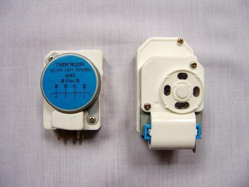 ไทม์เมอร์ ตู้เย็นโนฟรอส TMDE802ZC1
