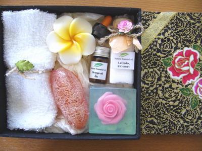 gift set spa in silk box