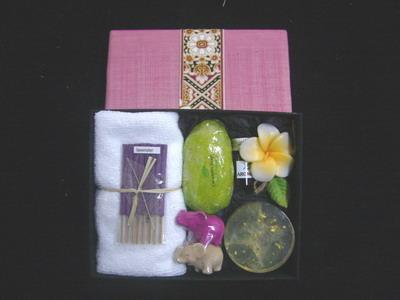 gift set spa in silk box 1
