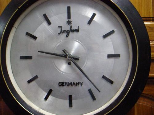 JUNGHANS ระบบไขลาน Made in Germany 5