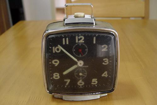นาฬิกาปลุก SEIKO รุ่น CORONA 2เข็มครึ่ง