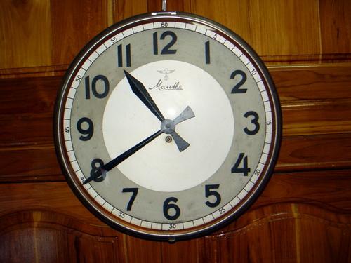 นาฬิกาแขวน MAUTHE มอร์เต้ ขนาด JUMBO 16 นิ้ว ระบบไขลาน 1