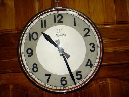 นาฬิกาแขวน MAUTHE มอร์เต้ ขนาด JUMBO 16 นิ้ว ระบบไขลาน 7