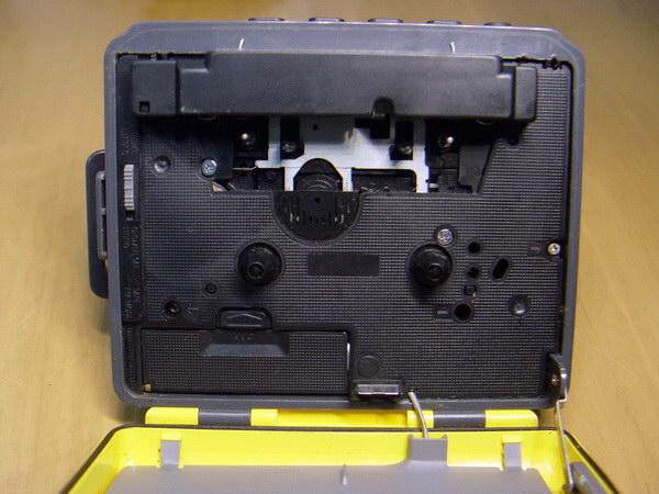 Sony Cassette Walkman Sport WM-FS393 8