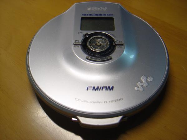 SONY Walkman D-NF600 CD/MP3/RADIO 1