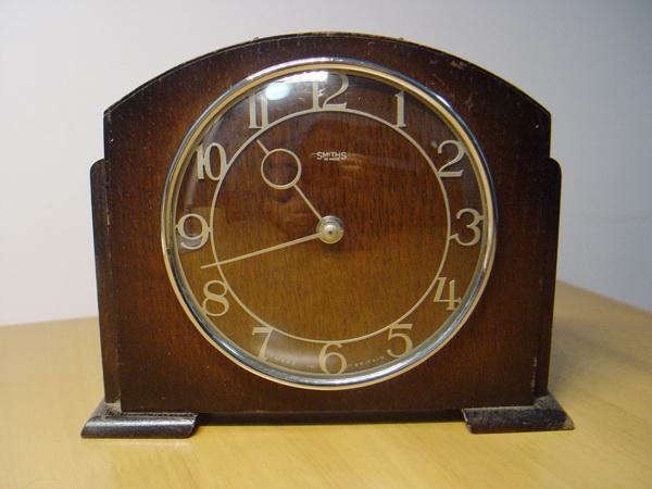 นาฬิกาหัวเตียง SMITHS Madin in England