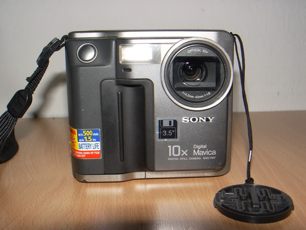 กล้อง SONY Digital Mavica MVC-FD7 ใช้แผ่น Diskette 3.5นิ้วใช้งานได้ปกติ พร้อมอุปกรณ์ครบ