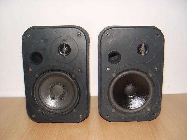 ลำโพง JBL CONTROL 1 ใช้งานได้ปกติ 75 Watt เสียงดีมากเบสลูกใหญ่