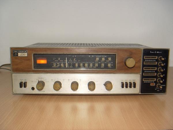 Receiver วินเทจ The Fisher 250-tx Receiver ผลิตU.S.A. ใช้งานได้ปกติมีระบบตั้งสถานี เสียงดีมากๆ