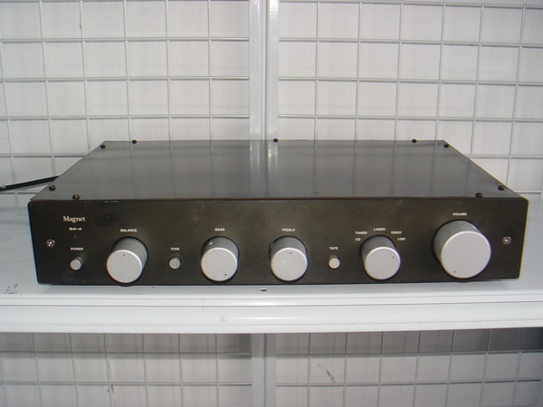 Integrated Amp Magnet SA-4 ใช่งานได้ปกติเสียงดีมาก นุ่มนวล