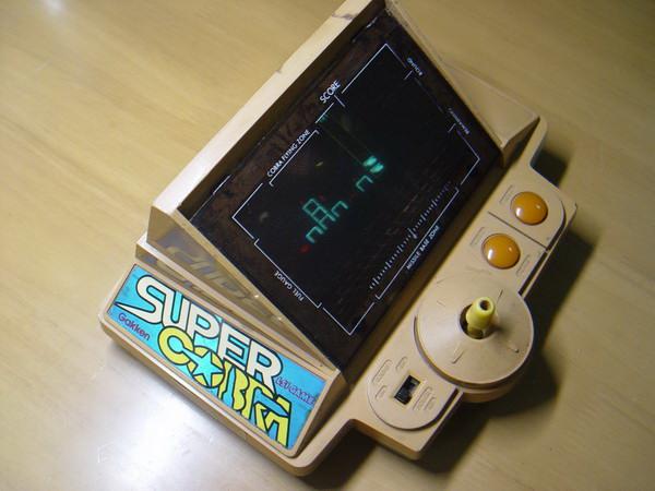 เครื่องเล่นเกมส์โบราณ Gakken Konami Made in JAPAN ใช้งานได้ปกติ 1