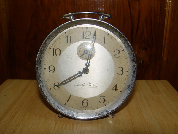 นาฬิกาปลุกวินเทจอังกฤษ Smith ระบบไขลาน ใช้งานได้ปกติ