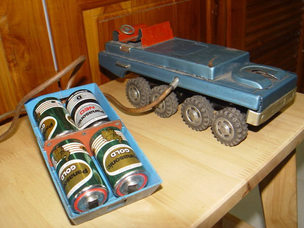 ของเล่น รถสังกะสี 8ล้อพร้อมคันบังคับ งานเก่าญี่ปุ่นแท้